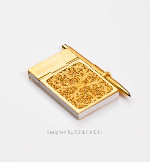 สมุดโน้ตพร้อมปากกาทองคำแท้ ขนาดจิ๋ว สลักลาย [PM001]