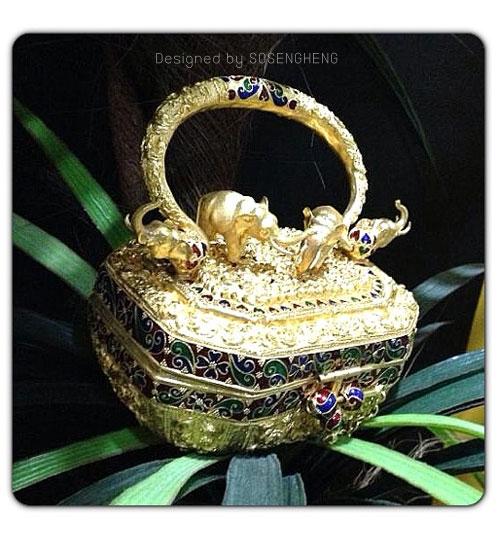 กระเป๋าทองคำแท้ ย้อนยุค ช้างทองประดับบารมี [SP002]