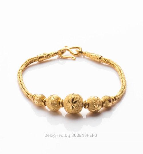 สร้อยข้อมือทองคำ ประดับทองแท้ทรงกลมสลักลาย สวย คลาสสิค [0N0A2050]